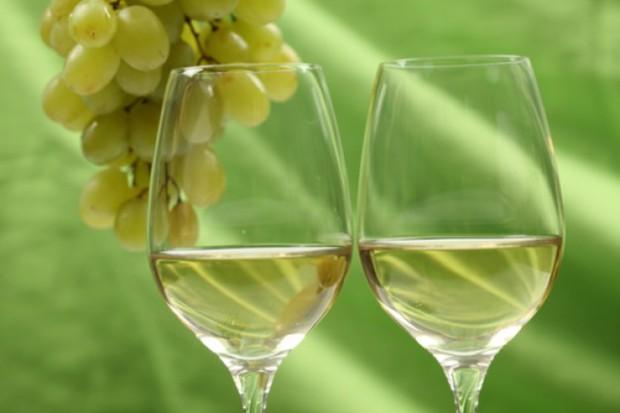 vidrio-transparente--copa-de-vino--blanco_3294920
