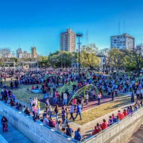 DIVERTITE EN LA CIUDAD | Plazas, parques y paseos