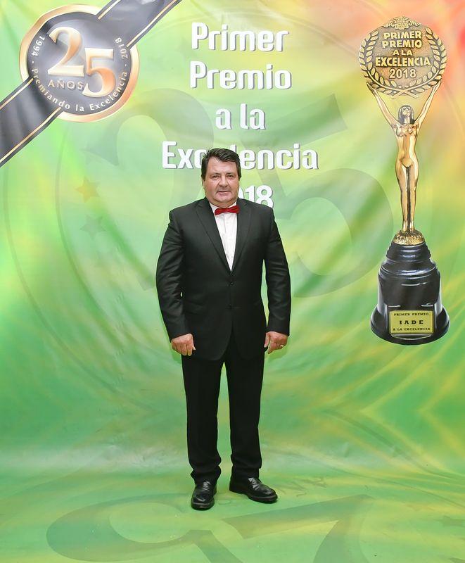 066 Vicente Patiño Salón de Peluquería_result